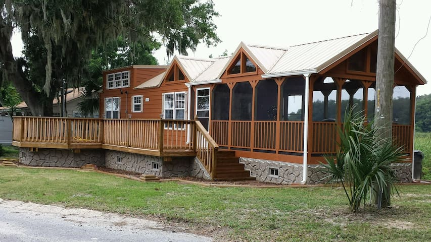 Tiny House on Lake, hot tub, sleep6 - Panama City