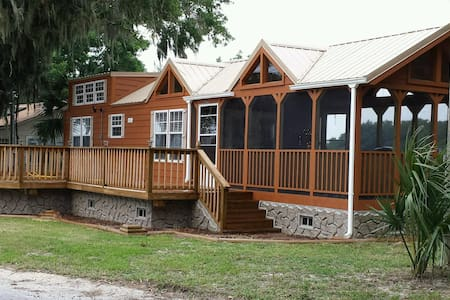 Tiny House on Lake, hot tub, sleep6 - Panama City - Casa