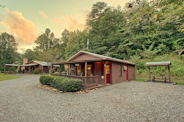 Deer Cabin @ Sunset Farm Cabins
