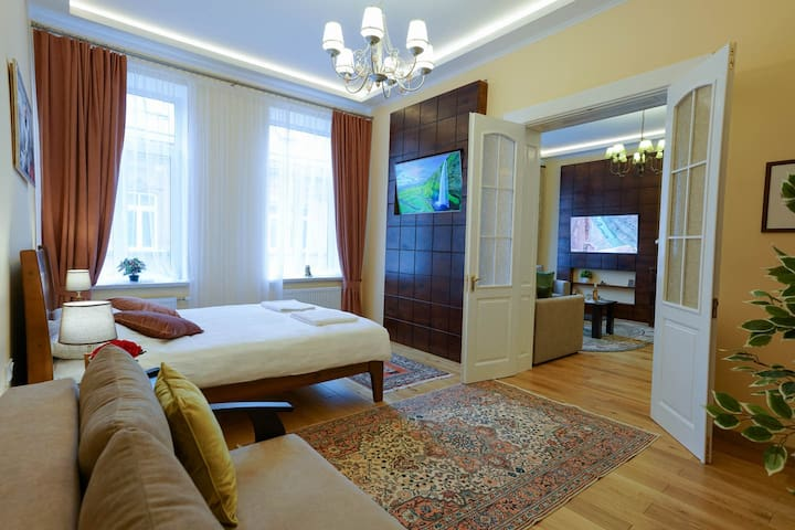❤ of Lviv | Suite | Heated Floor | 100Mbps |Washer