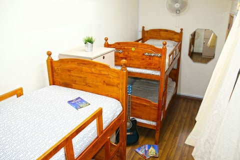 KL Backpacker Hostel (Female Dorm)
