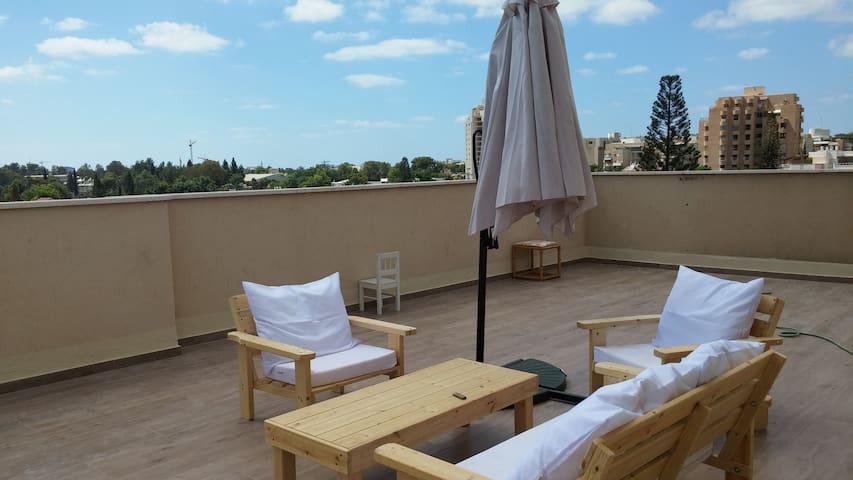 3Bedroom+70m Rooftop+Balcony at center of Herzelia - Herzliya - Apartamento