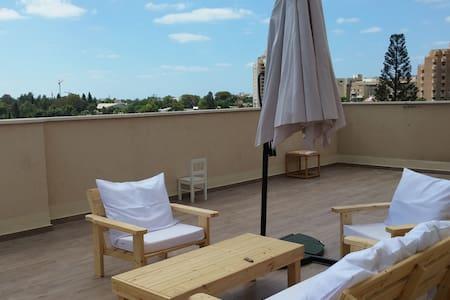 3Bedroom+70m Rooftop+Balcony at center of Herzelia - Herzliya
