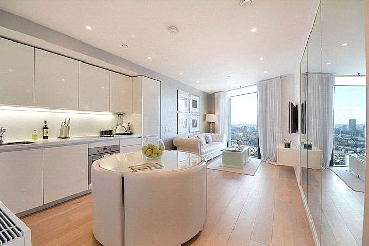 Modern 2-Bedroom Central Flat with Fantastic View - Londres - Apartamento