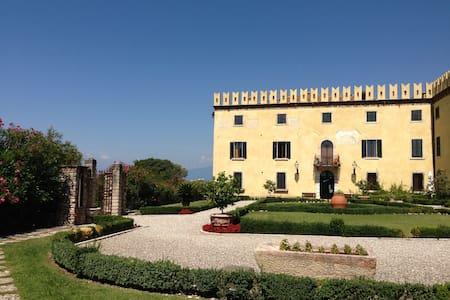 Castle 1500 Lazise - Colà