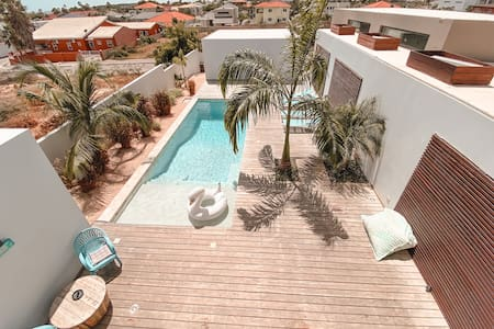 Spacious Villa, close to the beach! (3 BDRM)