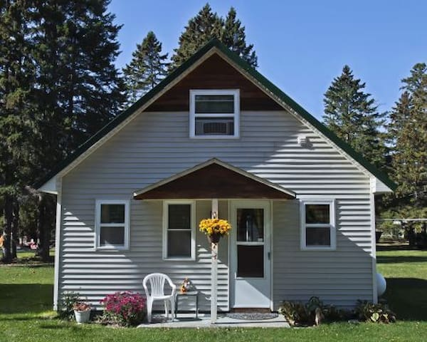 NEW LISTING! Cabin #7 - Northwoods Retreat