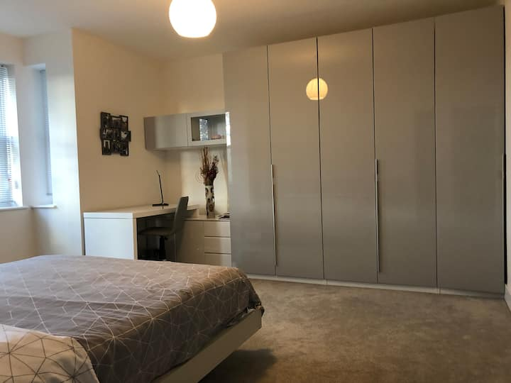 Stunning, bright, brand new king size bedroom