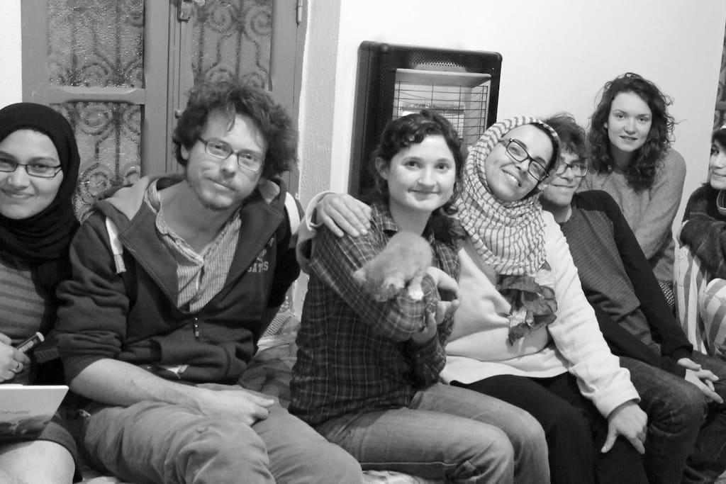 chez moi avec Alex,Ruby anglaise,Stefano italien,Karim , Ève....