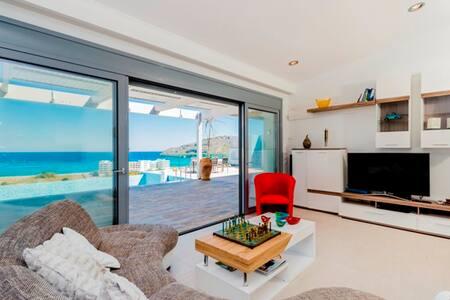 DoSiKiMiRo 3 bedroom villa - Lindos - ロドス島