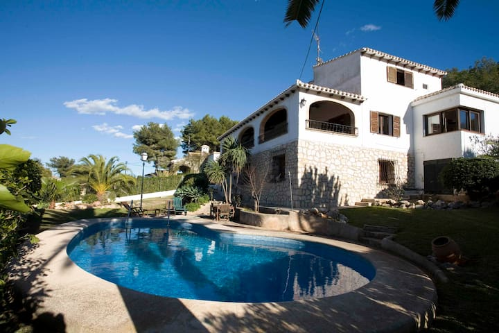 Villa with great view for up to 6 - Jávea - House