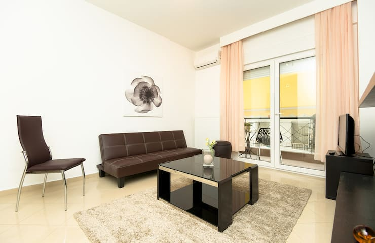 2 Blocks From The Beach. - nei Epivates - Apartment