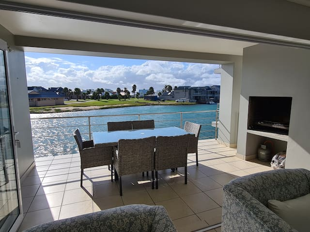 33 Kingston Place - Water views all around