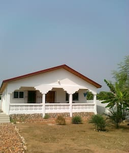 Quiet & Sunny Retreat near Accra - Accra - Rumah