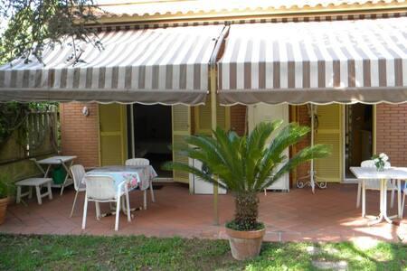 Anzio, independent house