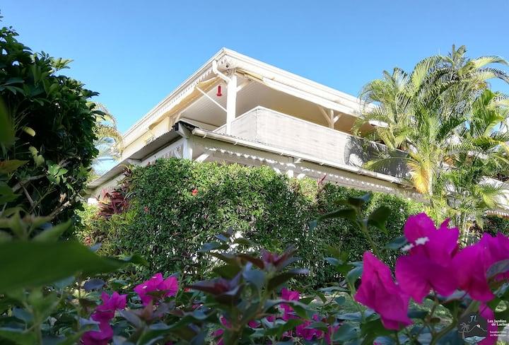 Studio Coton (bas de villa) jardin et piscine
