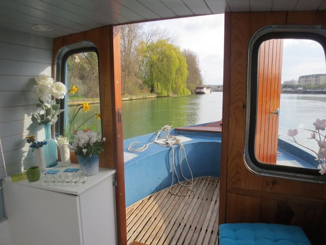 House Boat up 20 min from Paris