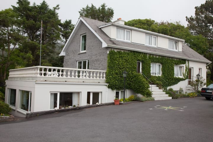 Family run B&B on the Ring of Kerry - Cahersiveen - Bed & Breakfast