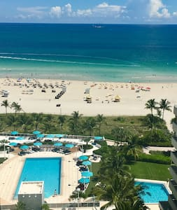 Ocean Front Resort on South Beach - Miami Beach - Huoneisto