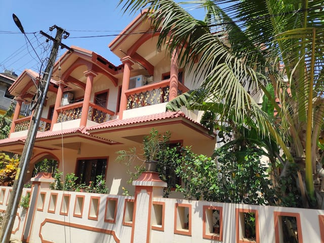 2 BHK AC Lovely family in South Goa
