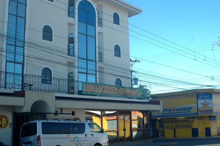 10 Beds Shared Dorm Alajuela Backpackers
