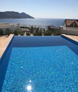 Villa Oliva, seaview villa with private pool