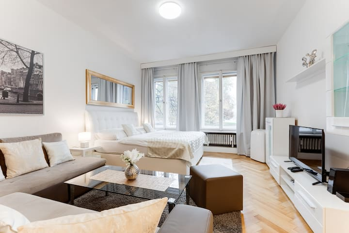 EXCLUSIVE RIVERSIDE APARTMENT IN HEART OF PRAGUE
