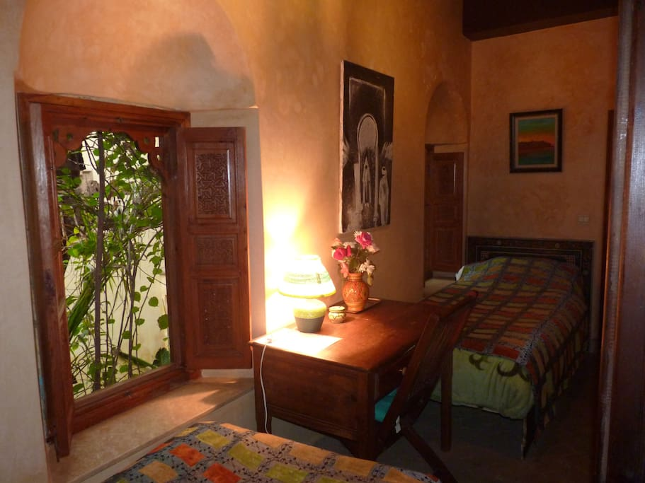 Chambre dalhia lits jumeaux bed and breakfasts en for Chambre 13 maroc