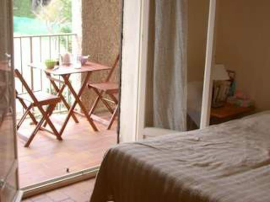 chambre N°1, 1 lit double avec terrasse