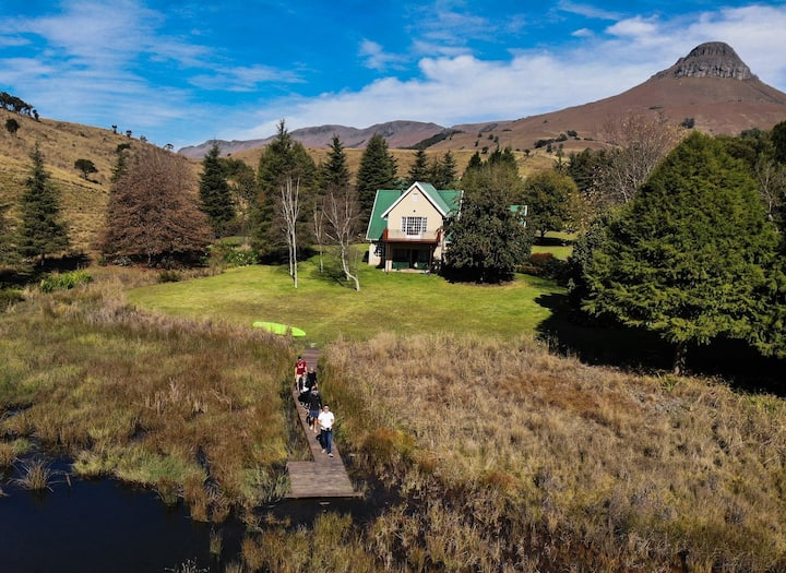 Copperleigh Trout Lodge - Farm stay, fly fishing