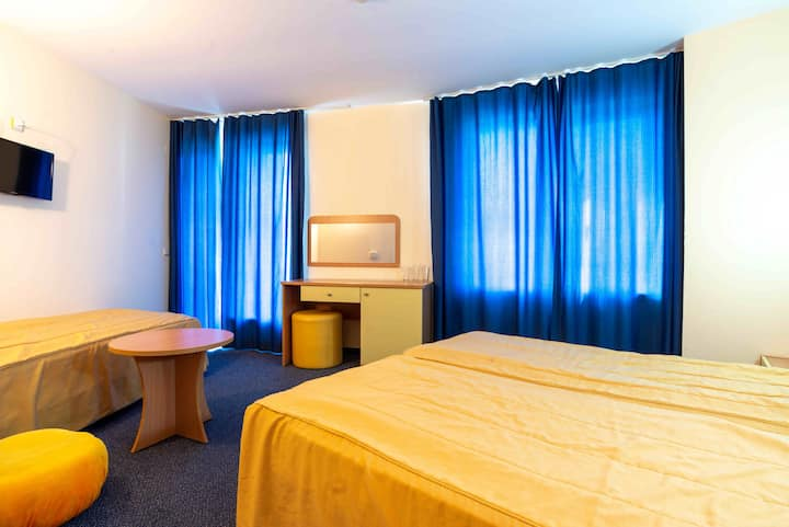 Double room with additional bed Hotel Sunday Kiten
