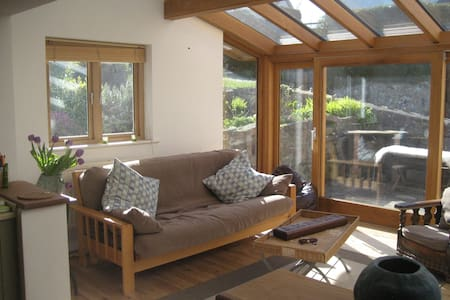 Luxury home Pembrokeshire sleeps 10 - Marloes