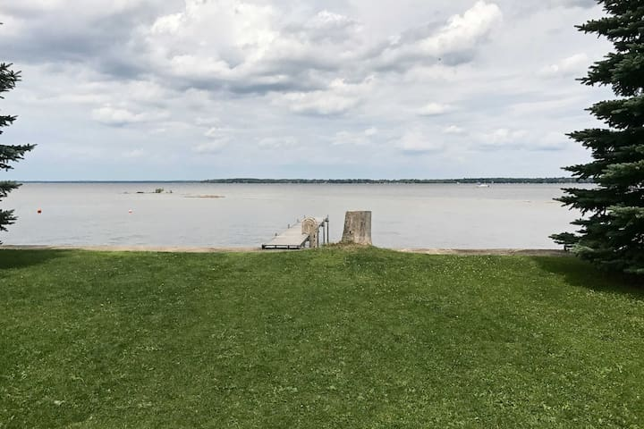 Lakefront Prudenville House w/Yard & Private Dock!