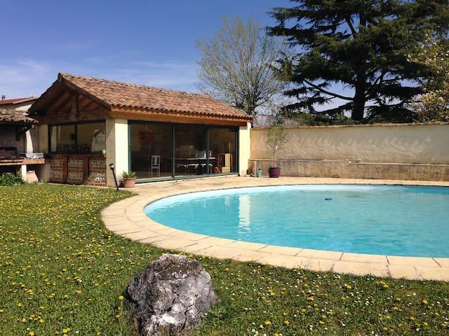 Maison de caractère proche de Lyon  - Sathonay-Village - Casa