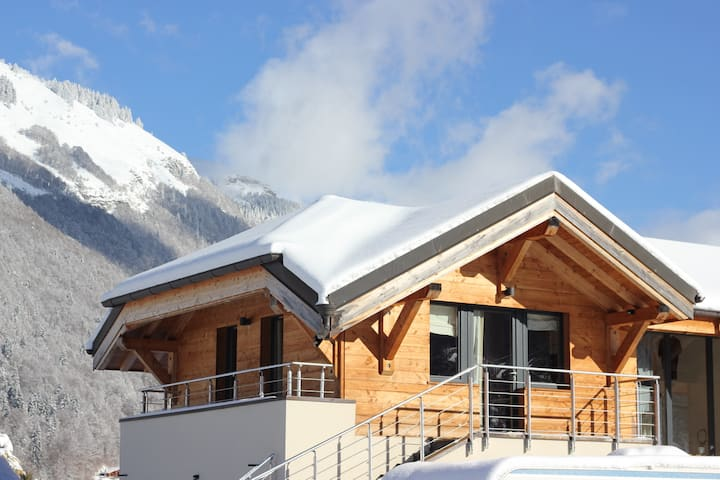 Contemporary Morzine 4 Bed Apartment