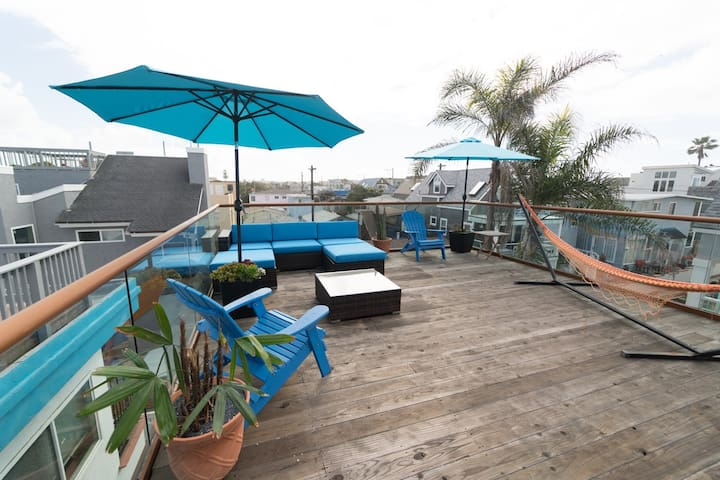 Mission Beach Surf Townhome - Rooftop Deck!