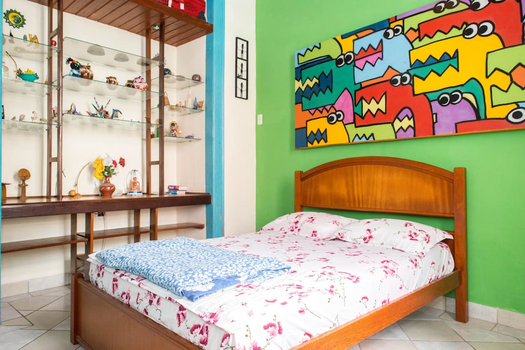 Room for Carnaval, sleeps 3, wifi