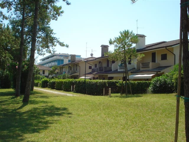 Villa Adry giardino e piscine/garden & pools