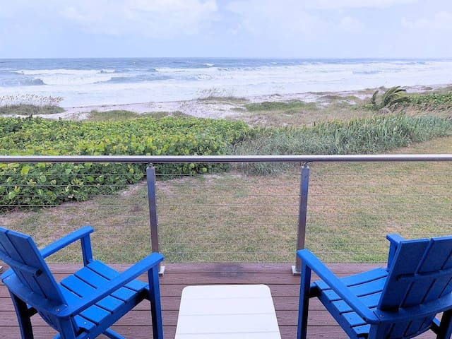 WaveSafari LICENSED Oceanfront Luxury Townhouse