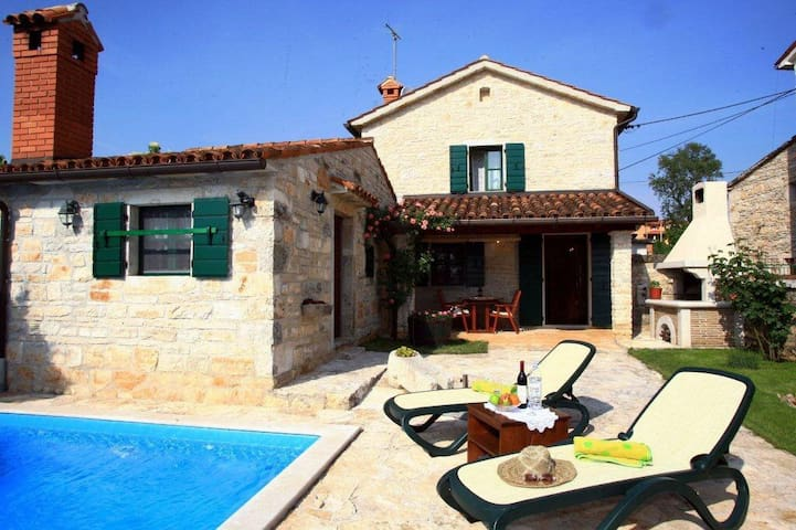 Villa With Private Pool In Istria - Baderna - House