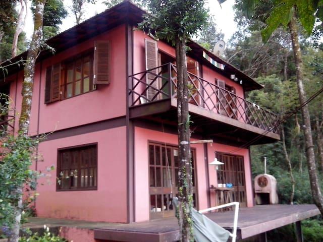 Casa na montanha muito perto de BH - Nova Lima - Hus