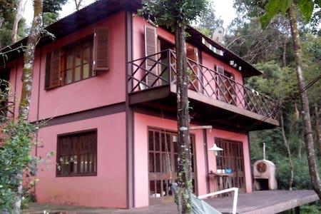 Casa na montanha muito perto de BH - Nova Lima - Casa
