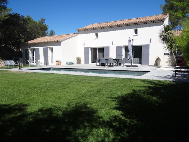 Maison Piscine Golf Provence FRANCE - Mallemort - House