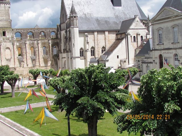 Authentic House in  heart of the historic center - Beaulieu-lès-Loches - Apartamento