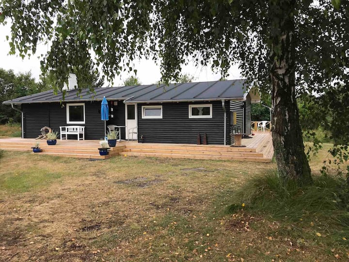 Sommerhus two minutes walk to child-friendly 🏖