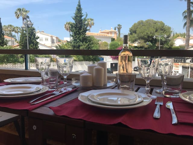 Cosy apartment in Calahonda close to the beach