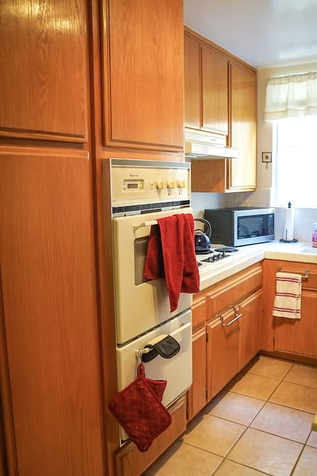 Full Kitchen including Refrigerator, Stove, Double-oven, Microwave, Coffee Maker, and Rice Cooker