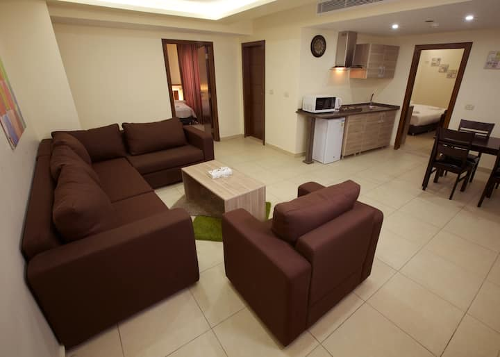 Lujain Hotel Suites/Grand Deluxe