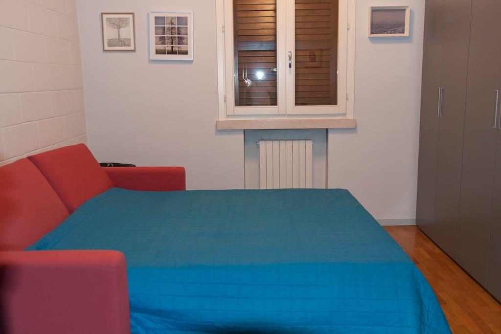 seconda stanza con divano letto