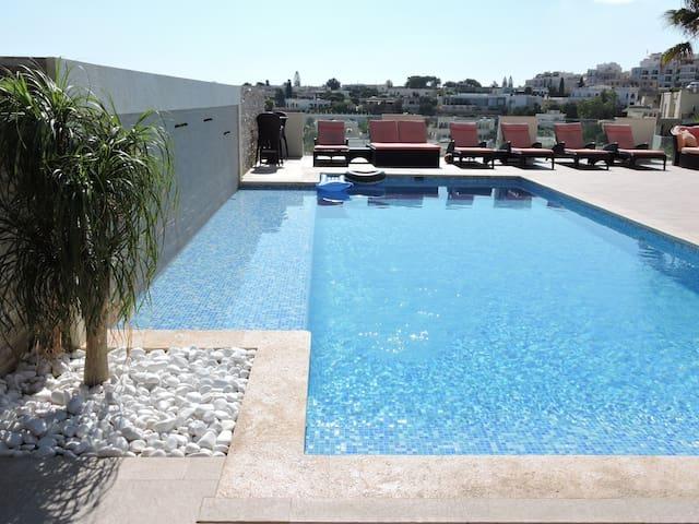 Luxury 3 bed Villa Apt Outdoor & Indoor Heat Pool - Il-Mellieħa - Villa